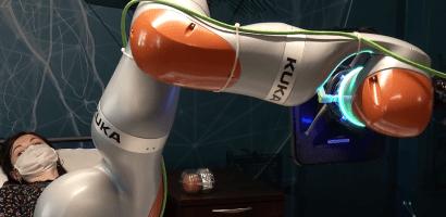 Roboty pomogą osobom niepełnosprawnym