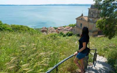 Lake Bracciano travel guide: a day-trip from Rome to ancient towns immersed in a natural reserve
