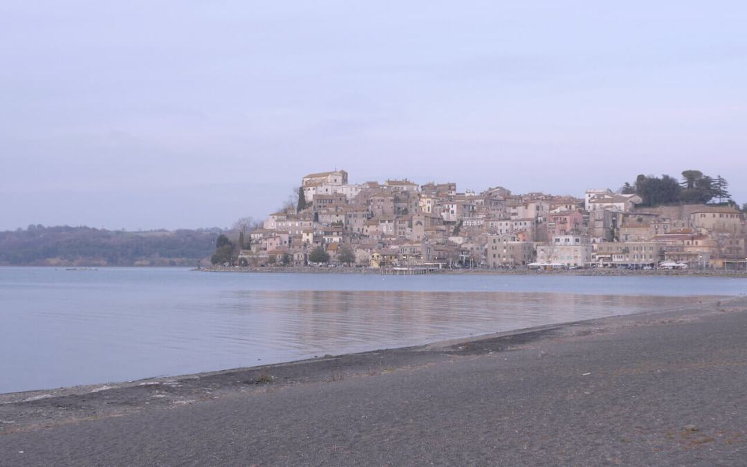 Anguillara Sabazia town on Lake Bracciano: travel guide