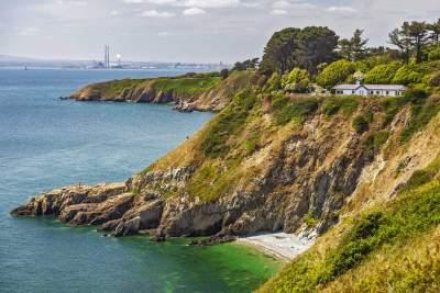 Discover the beautiful coastal towns of Dublin Bay