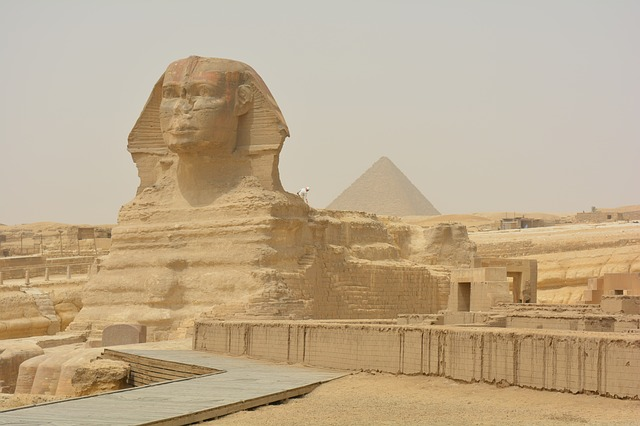 Egypt, UK hold talks on tourism cooperation