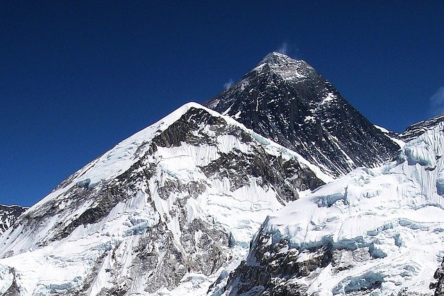 China cancels Everest spring climbing over covid fear