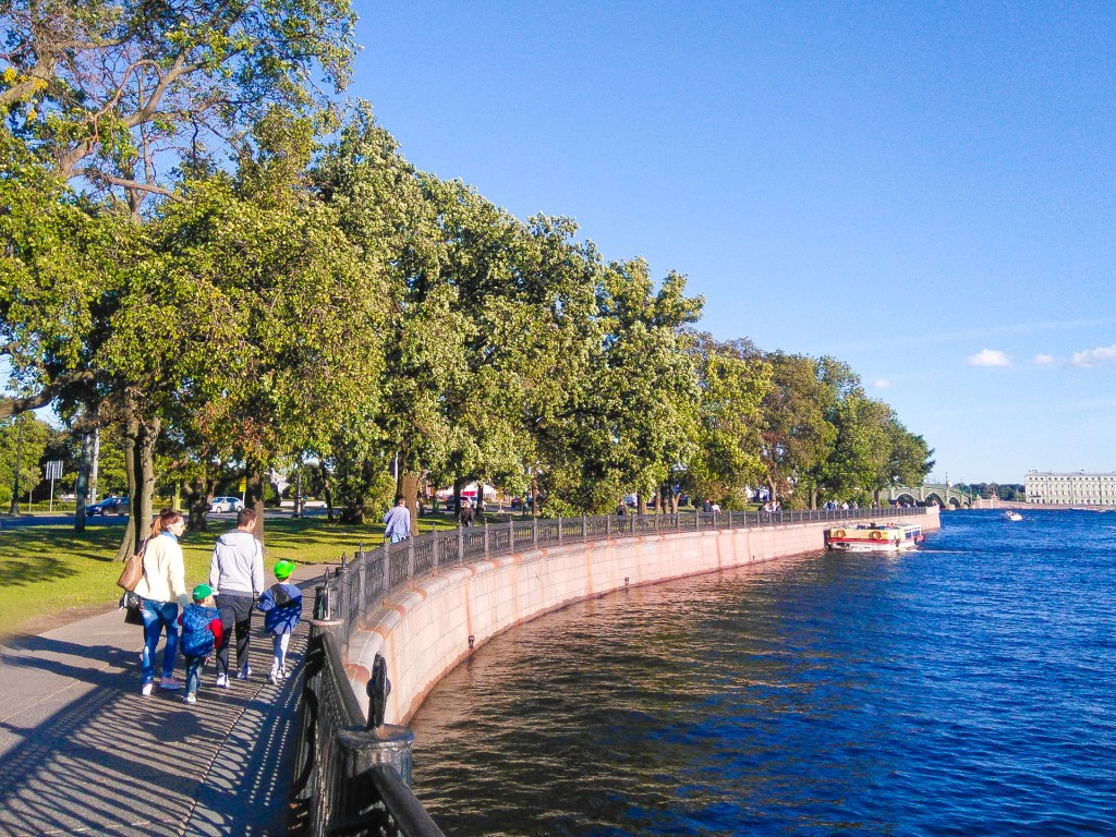Walking along rivers and channels in St. Petersburg