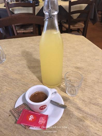 Caffè e limoncello all'osteria di Nidastore