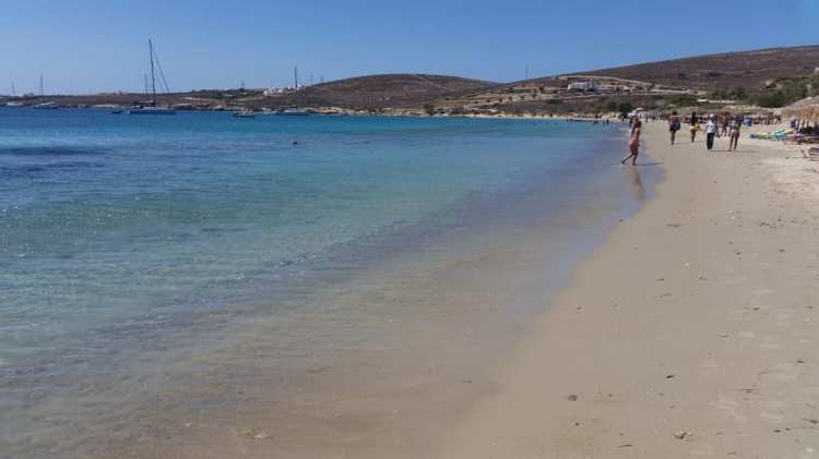 In spiaggia nelle Cicladi
