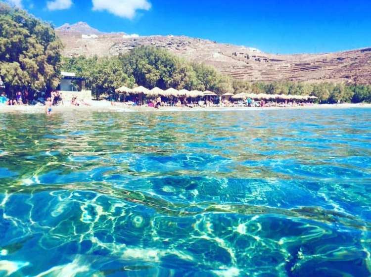 Le acque trasparenti delle Cicladi