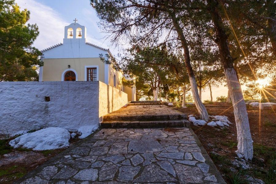 Una chiesa a Spetses
