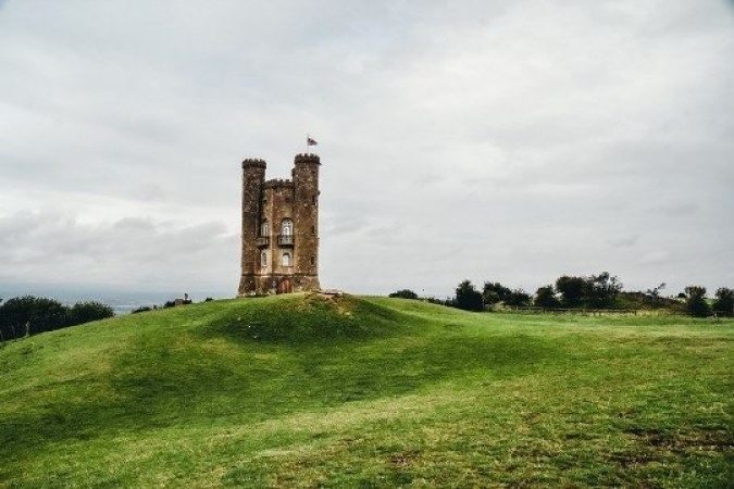 A visit to Broadway Tower is one of the best things to do in the Cotswolds because this Saxon tower offers magnificent views of the rolling countryside.