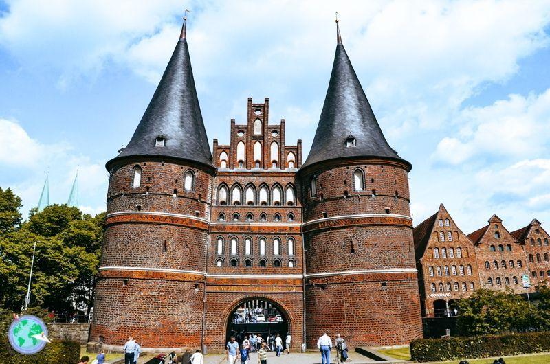 Ostsee1 - Antigua puerta de entrada a Lübeck r1