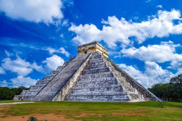 pyramid-2826190_1920 (1)