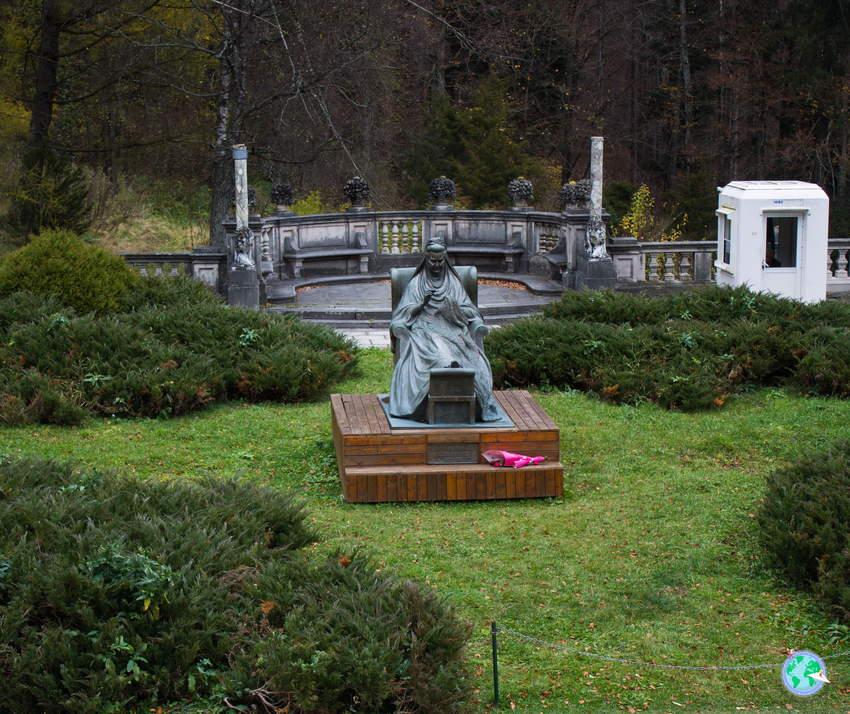 Escultura en el jardín de la reina Isabel