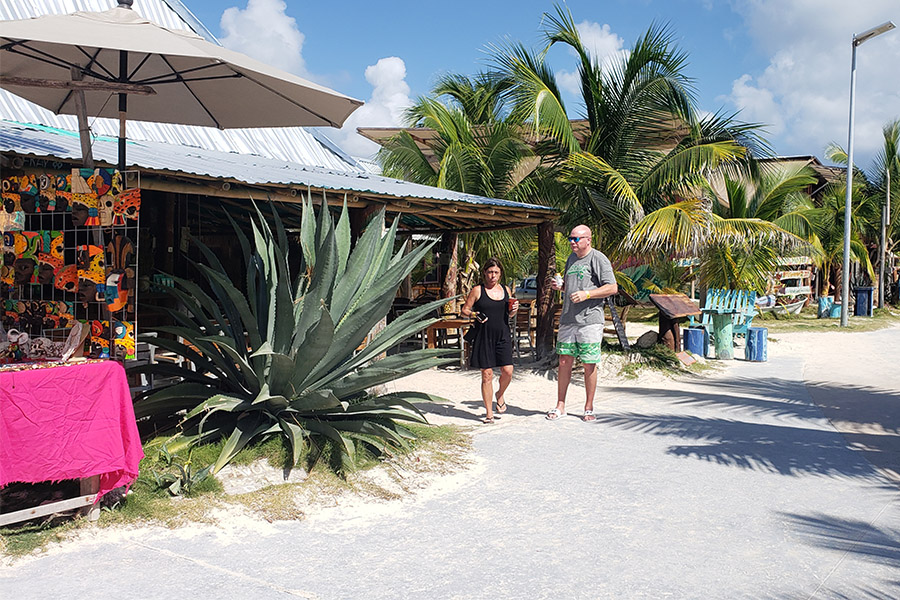 Souvenir shops in Costa Maya beach club