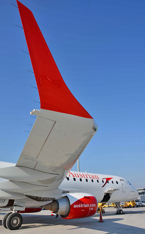 RTEmagicC_Austrian-Airlines-Embraer-195-OE-LWD-5-c-Austrian-Airlines---Hannes-Winter.jpg