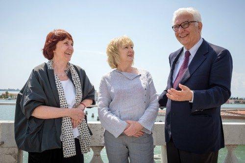 Shelley McNamara, Yvonne Farrell, Paolo Baratta