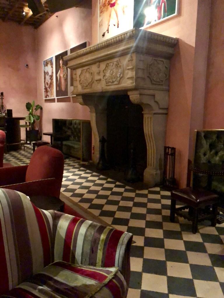 Gramercy Park Hotel, Bar