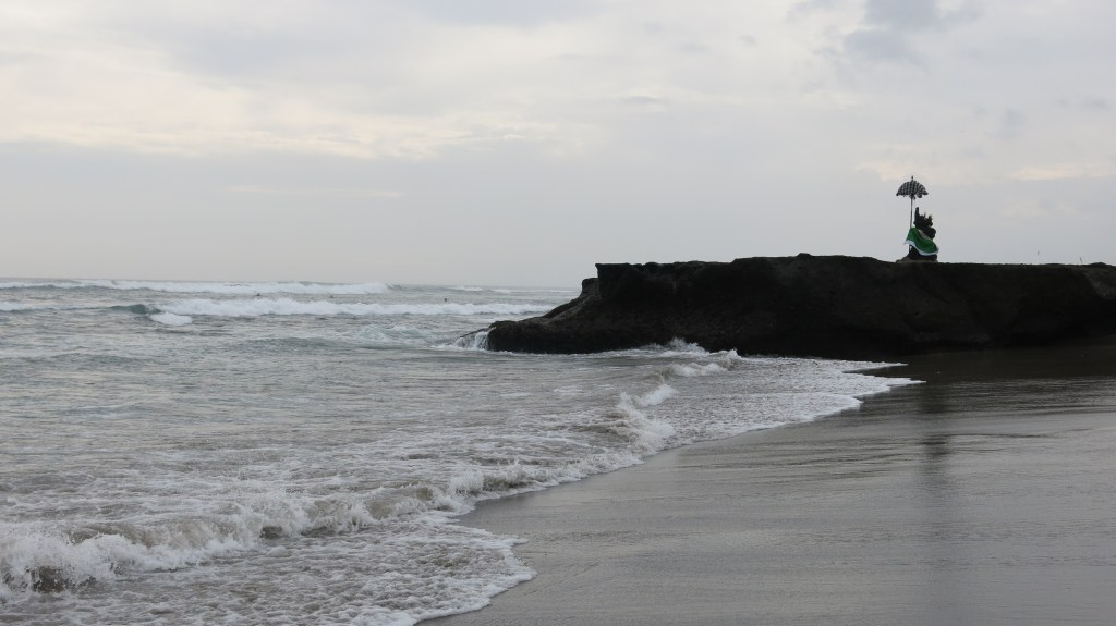 Top best places to visit in Bali: Canggu beach