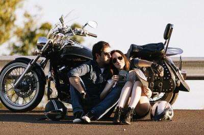男のひとり旅や女のひとり旅で出会いはある?おすすめスポットやポイントを調べました。