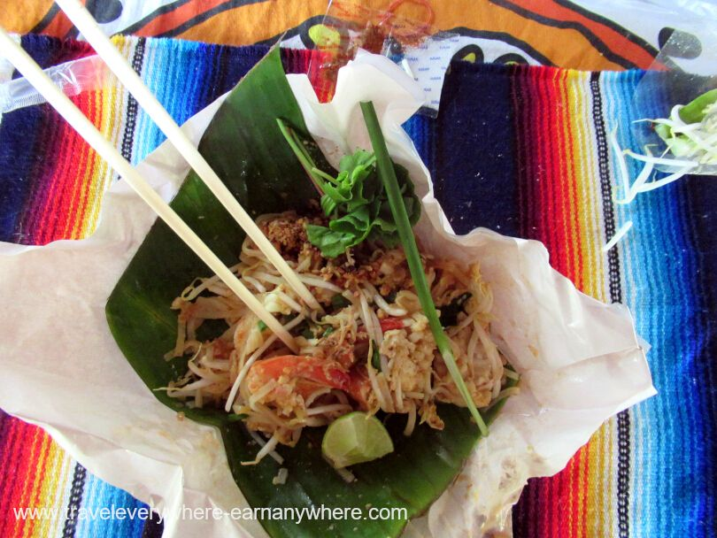 Pad Thai Breakfast four house sitting digital nomads