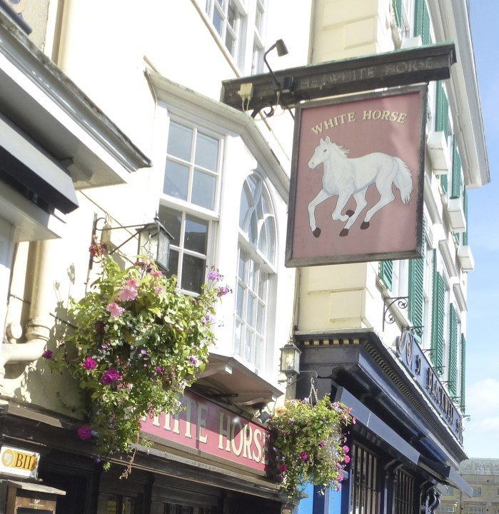 Photo of the White Horse pub in Oxford
