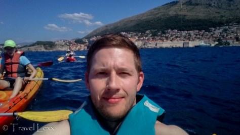 kayaking around lokrum island