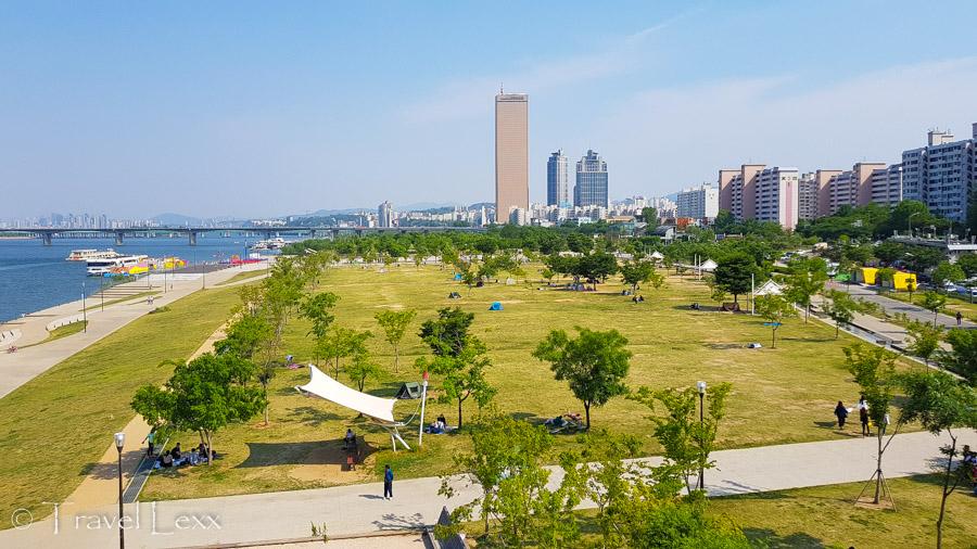 Yeouido Hangang Park - Cycling in Seoul