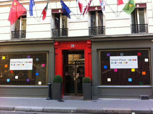 Hostel Review: Smart Place Paris || Travel Far, Eat Well