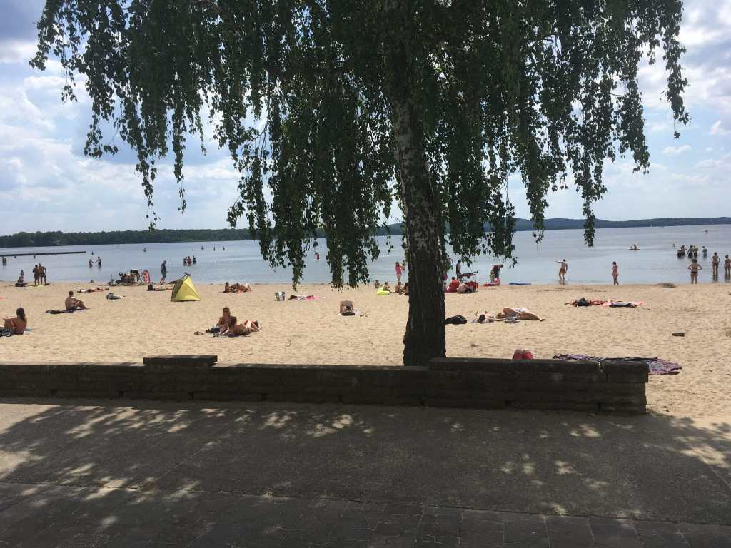 Berlin beach at the lakes