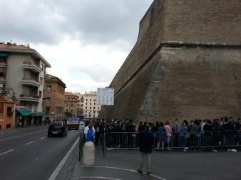 Endless line for Vatican Museum