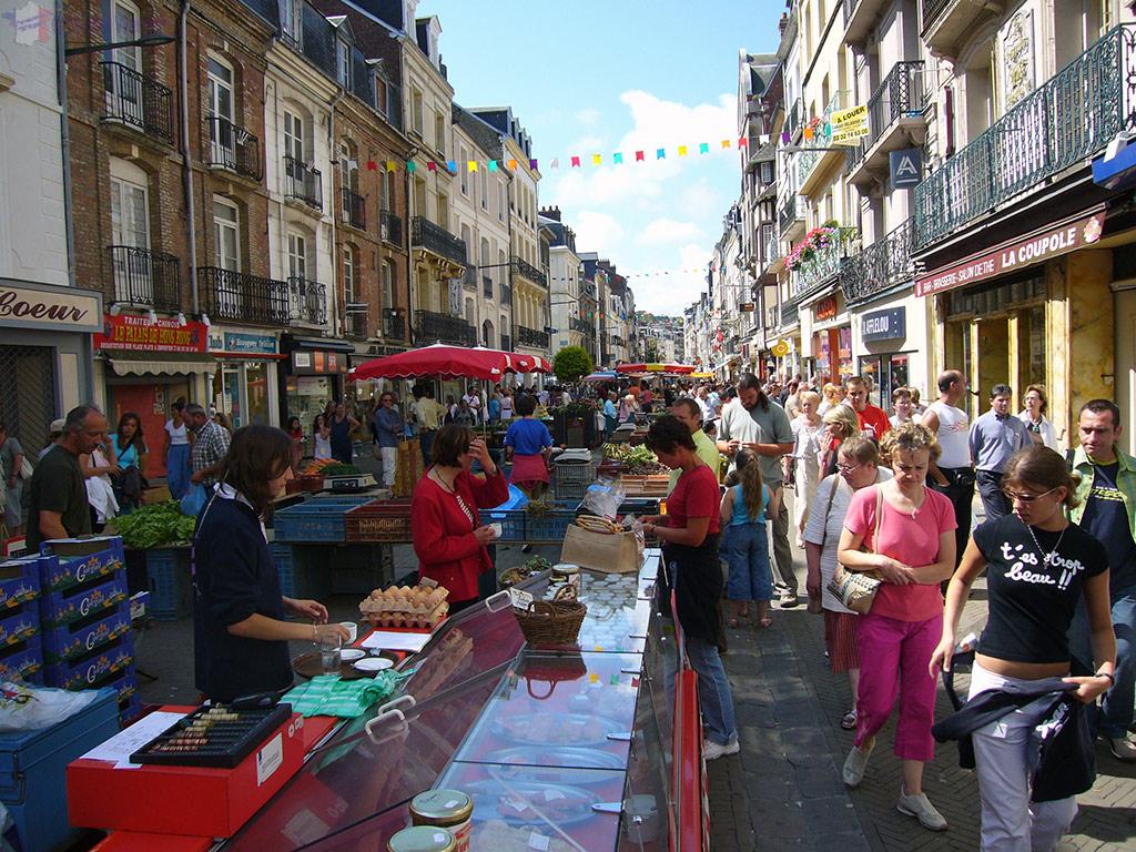 Saturday morning market of Dieppe