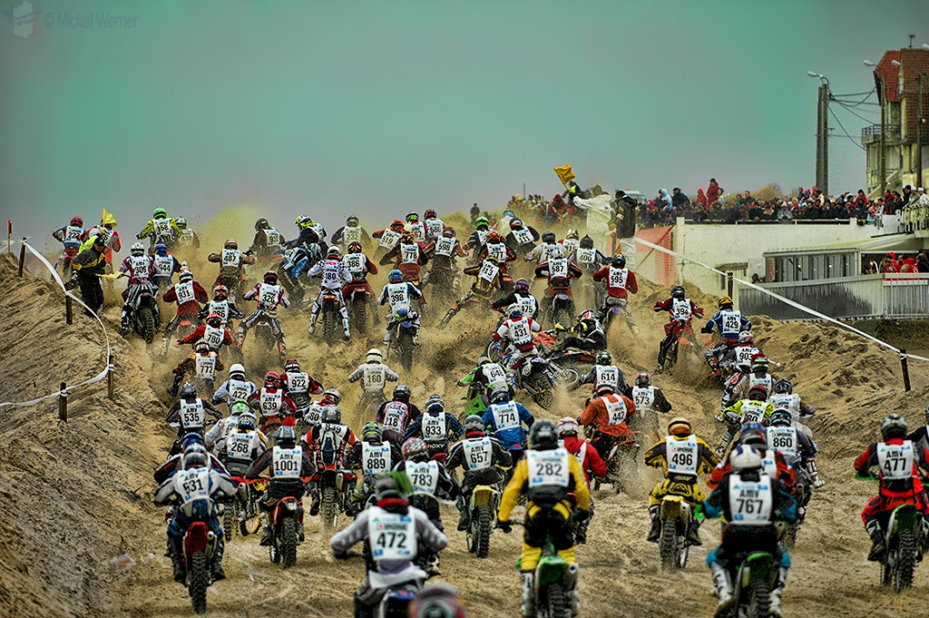 1100 motorcycles bottleneck at Le Touquet Enduropale