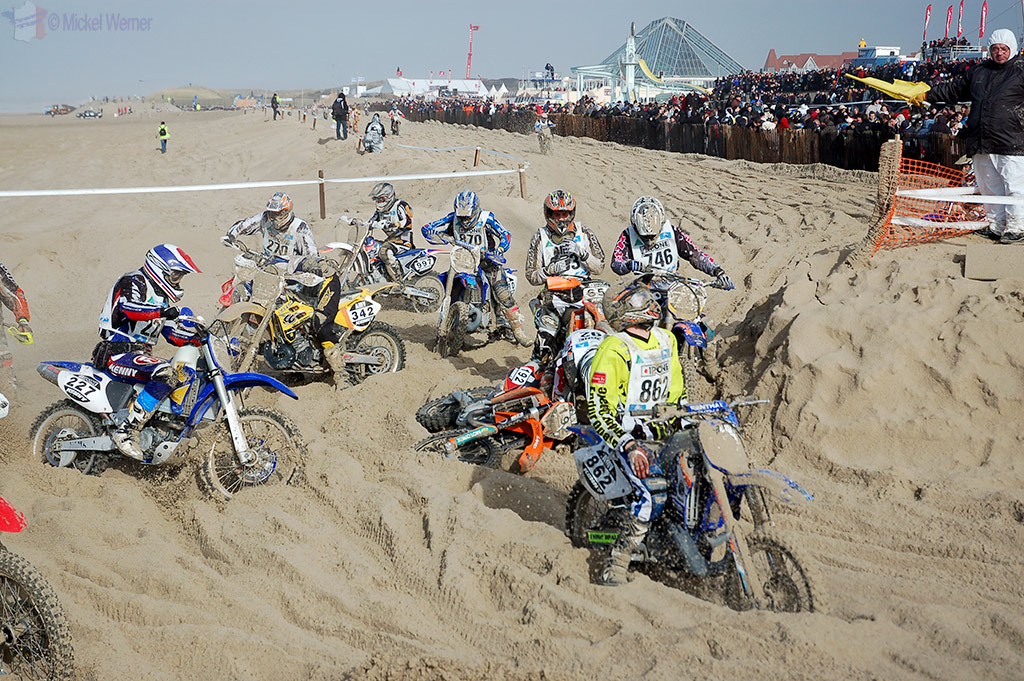 Motorcycles stuck in the deep sand at Le Touquet Enduropale