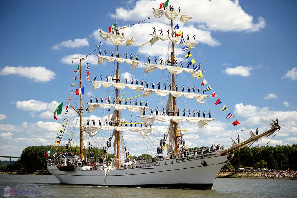 Exit of Rouen's Armada of tall sail ships