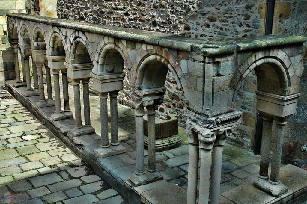Inside the Saint-Vincent-de-Saragosse de Saint-Malo cathedral of St. Malo