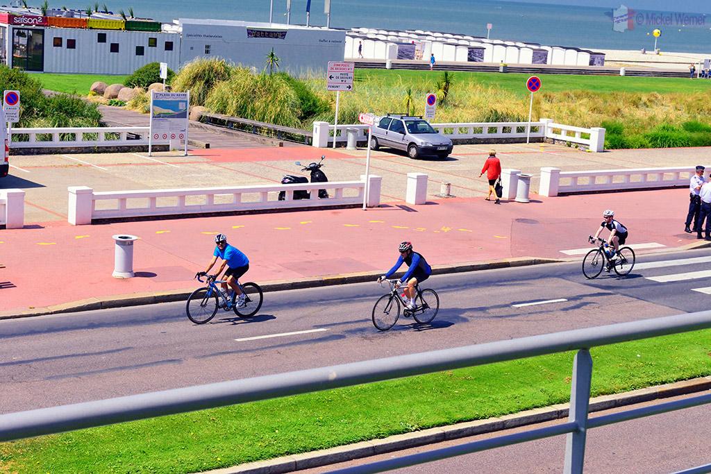 1st cyclists at the Tour de France