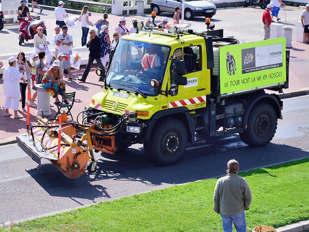 Cleaning after the publicity caravan at the Tour de France