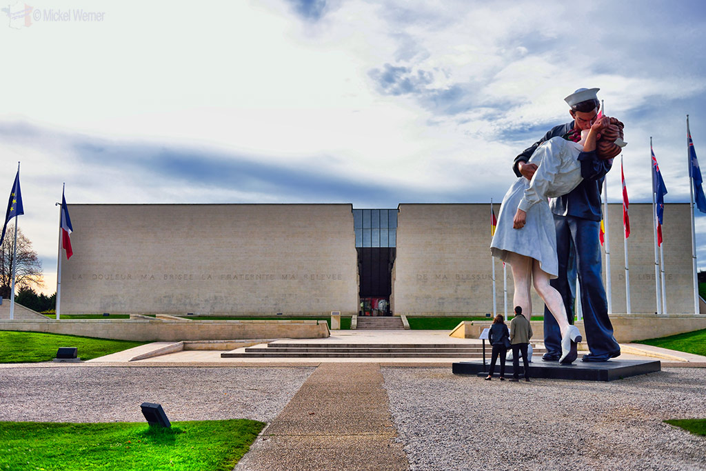 The Kiss statue outside the Caen WWII Memorial
