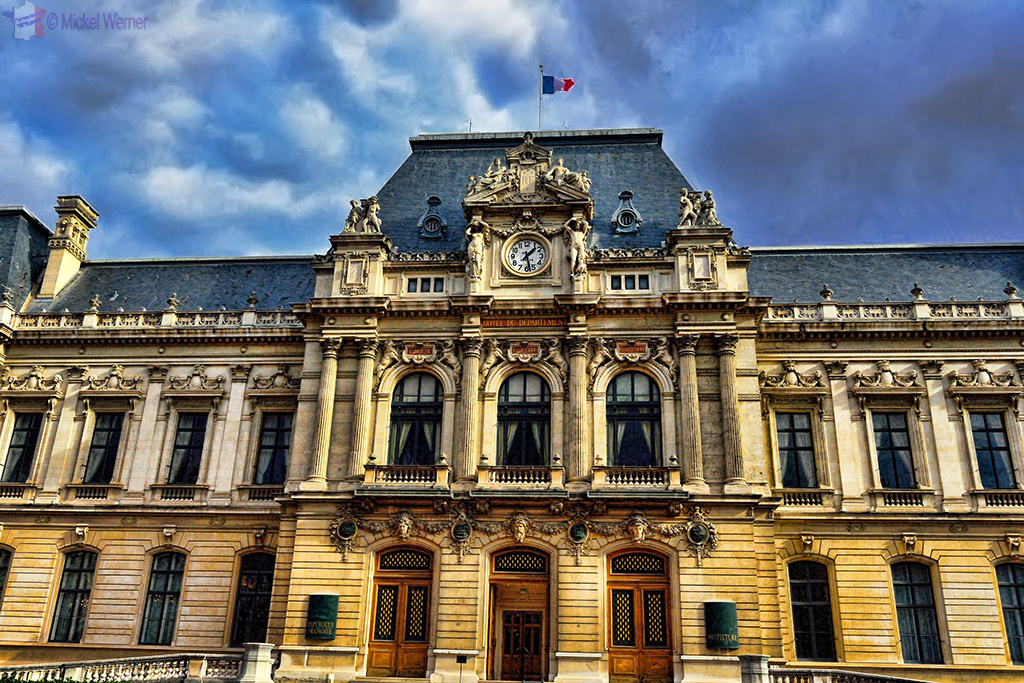 Prefecture building (local government) of the province/region