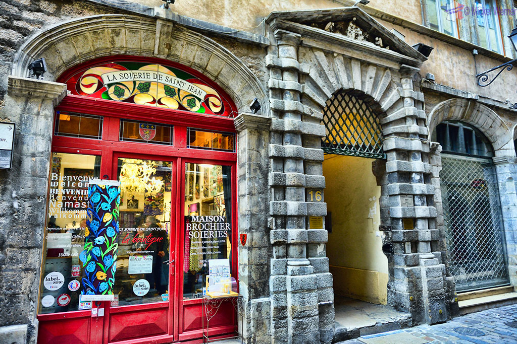 Silk shop and its traboules in old Lyon