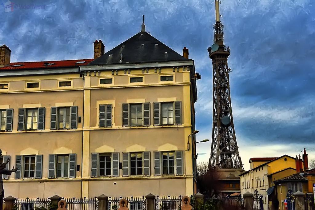 Radio and TV broadcast mast in Lyon