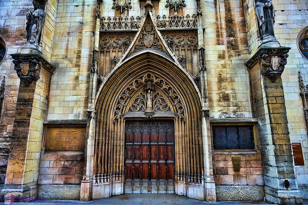 Entrance to the Eglise (church) Saint-Bonaventure de Lyon