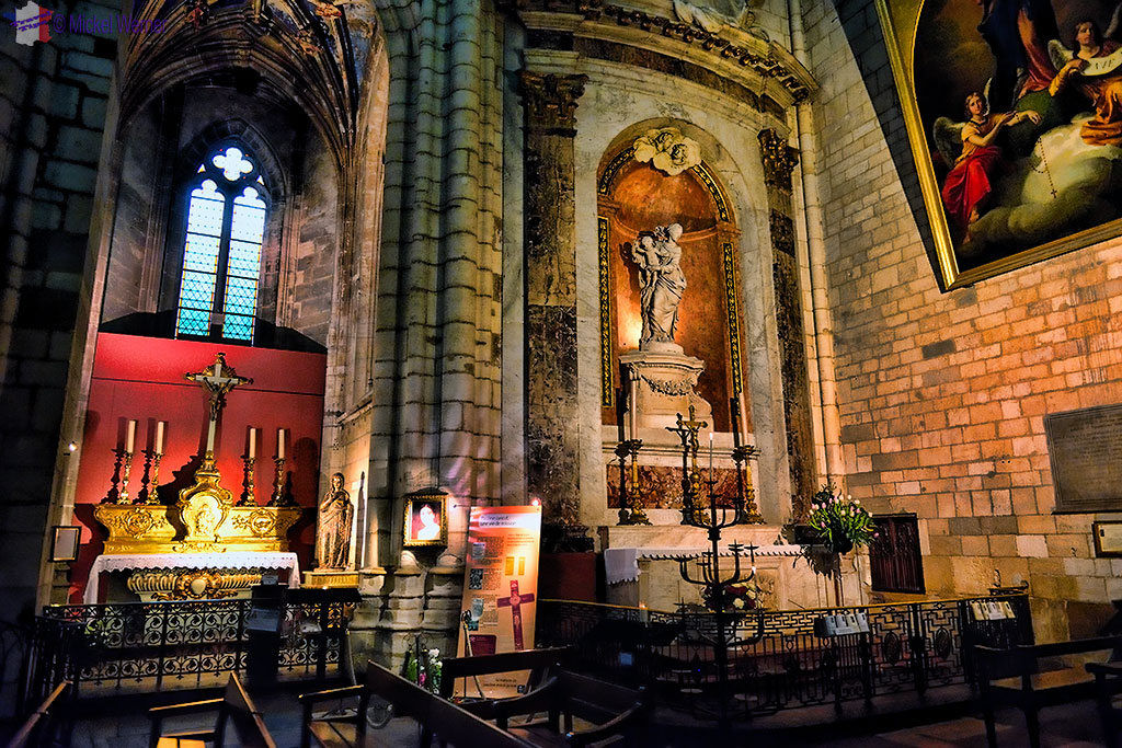 Chapels in the Saint Nizier church in Lyon