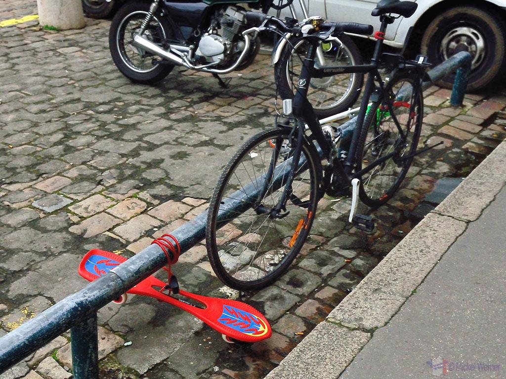 Lyon Transportation - Skateboard