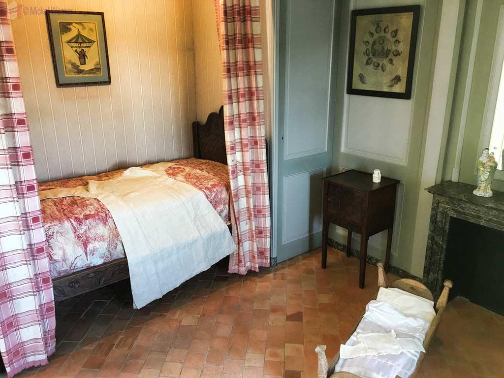 """Nanny's room inside the """"Maison de l'Armateur"""" in Le Havre"""