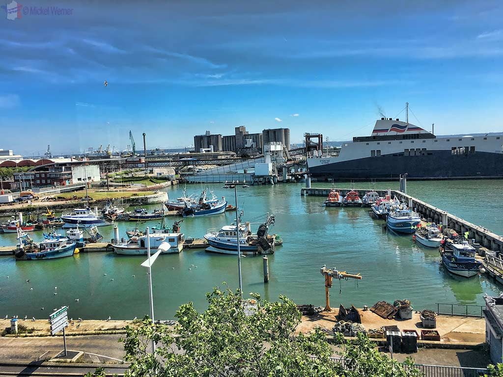 "View on the fishing harbour (and ferry) from the ""Maison de l'Armateur"" in Le Havre"