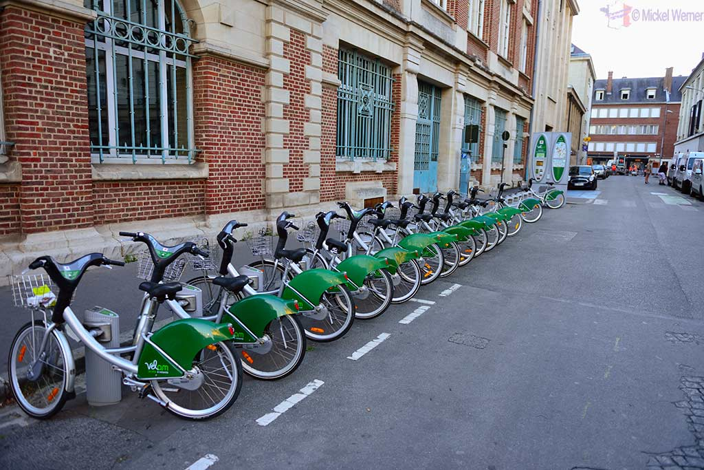 Velam bicycle rental service of Amiens