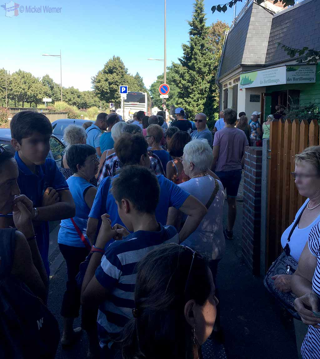 Long queues for taking a boat tour of the Hortillonnages of Amiens