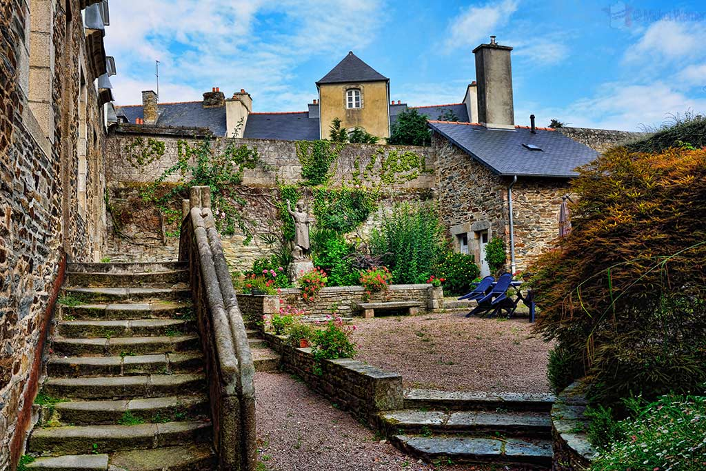 Small garden next to the church in Lannion, Brittany