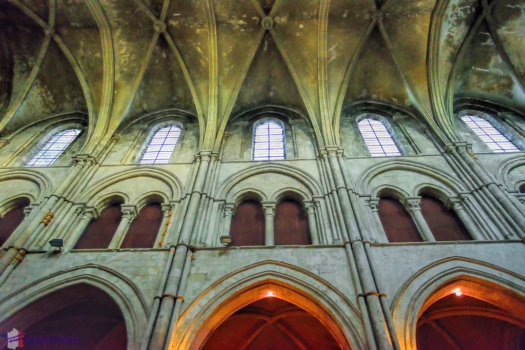 The side walls of the Lisieux cathedral's nave