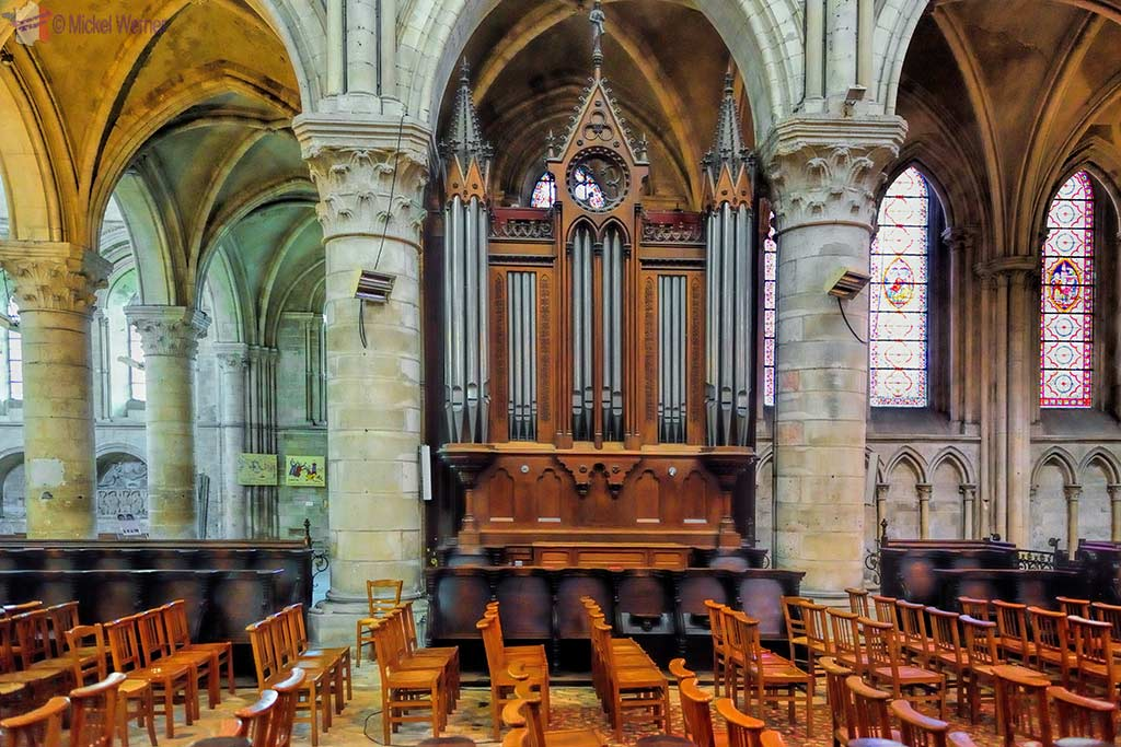 2nd organ of the Saint-Pierre cathedral in Lisieux