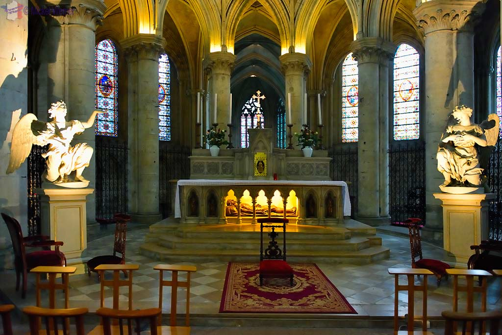 Main altar of the Saint-Pierre cathedral of Lisieux
